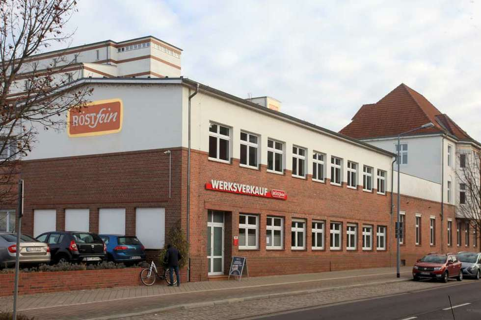 Verwaltungsgebäude mit Röstfein-Werksverkauf