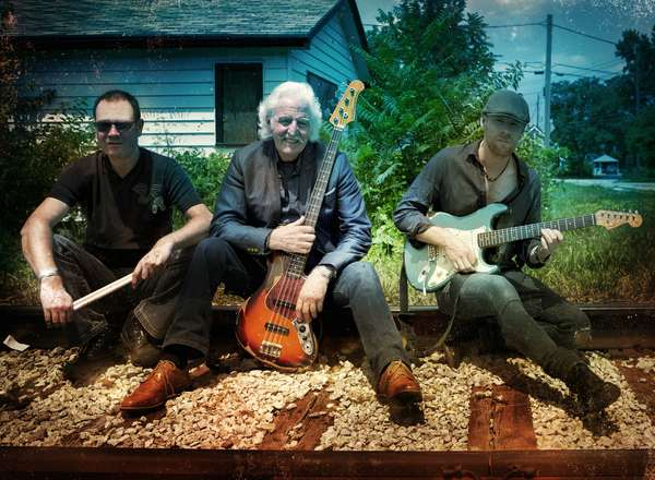 HSS-Tracks-Band Photo(Photograher Arnie Goodman).jpg