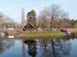 Die Insel am Adolf-Mittag-See
