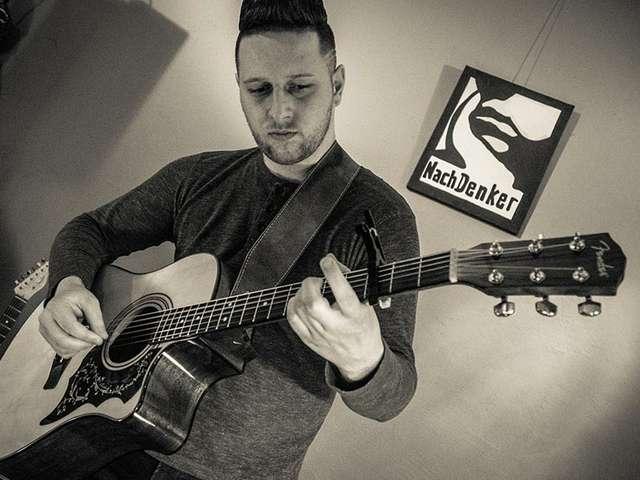 Daniel Stodolka - Der Magdeburger Musiker schreibt seine Texte selbst