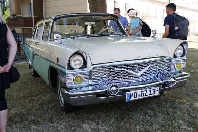 GAZ-13 Tschaika