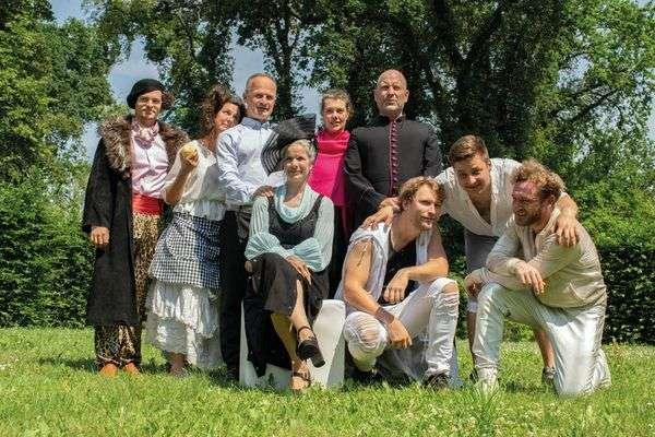 Ensemble Romeo und Julia_Foto Ewe Rafeldt.jpg