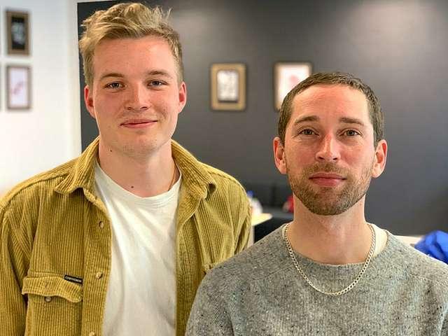 Student Leon Schuller und Prof. Dominik Schumacher