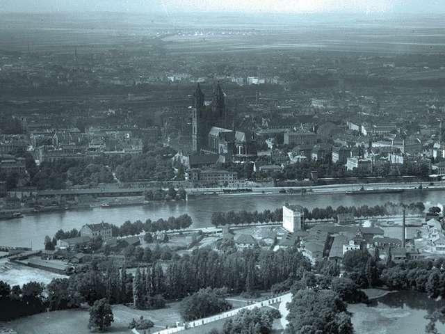 Magdeburg Luftbild 1926 mit dicht bebautem Kleinem Stadtmarsch