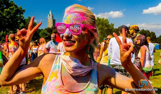 Holi-Festival-der-Farben_002_Foto_Andreas_Lander.jpg