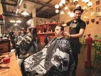 Suhail und der Men's Barber Shop