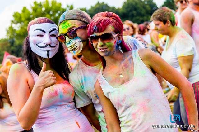 Holi-Festival-der-Farben_056_Foto_Andreas_Lander.jpg