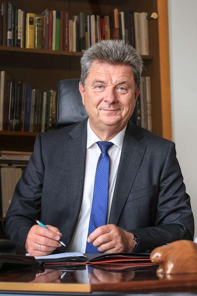 Dr. Lutz Trümper