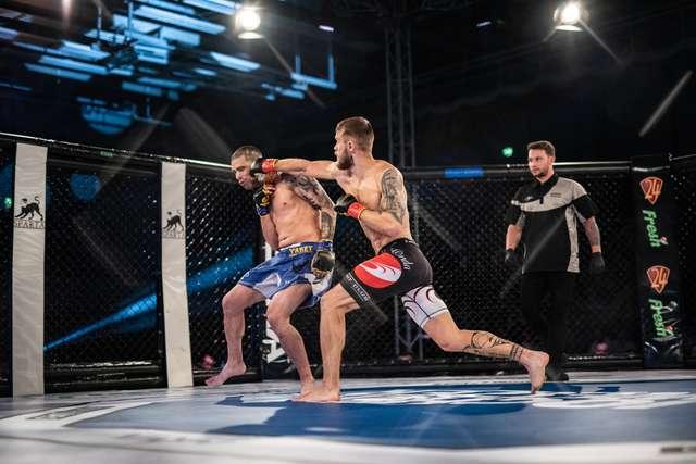 Niklas Stolze bei einem Kampf.