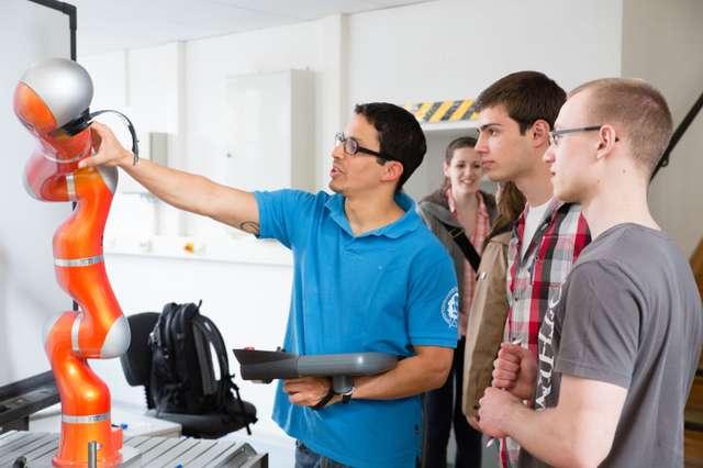 Campusday ZC7A4180 (c) OvGU.jpg