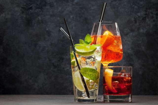 Cocktails-Autostadt_Adobe-Stock-A1000_F_3100197503-(karandaev).jpg