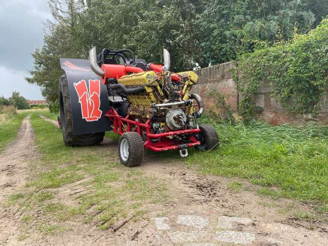 traktorpulling_eigenbau2-Verbessert.jpg
