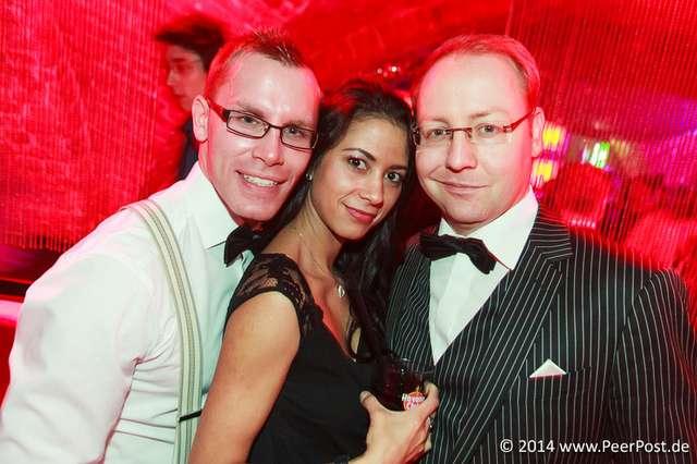 Suit-and-Tie_016_Peer_Post.jpg